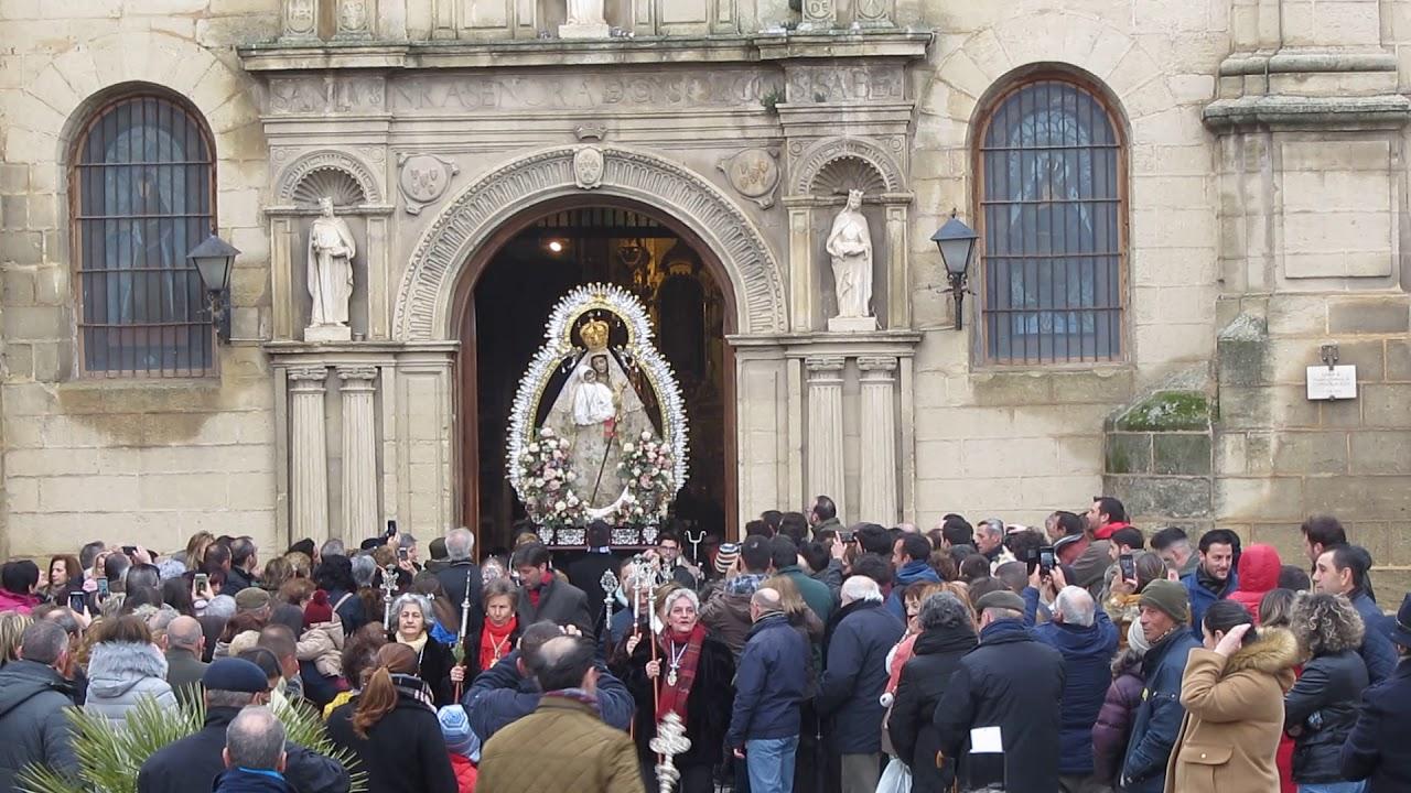 Procesión de la Virgen y los palomos