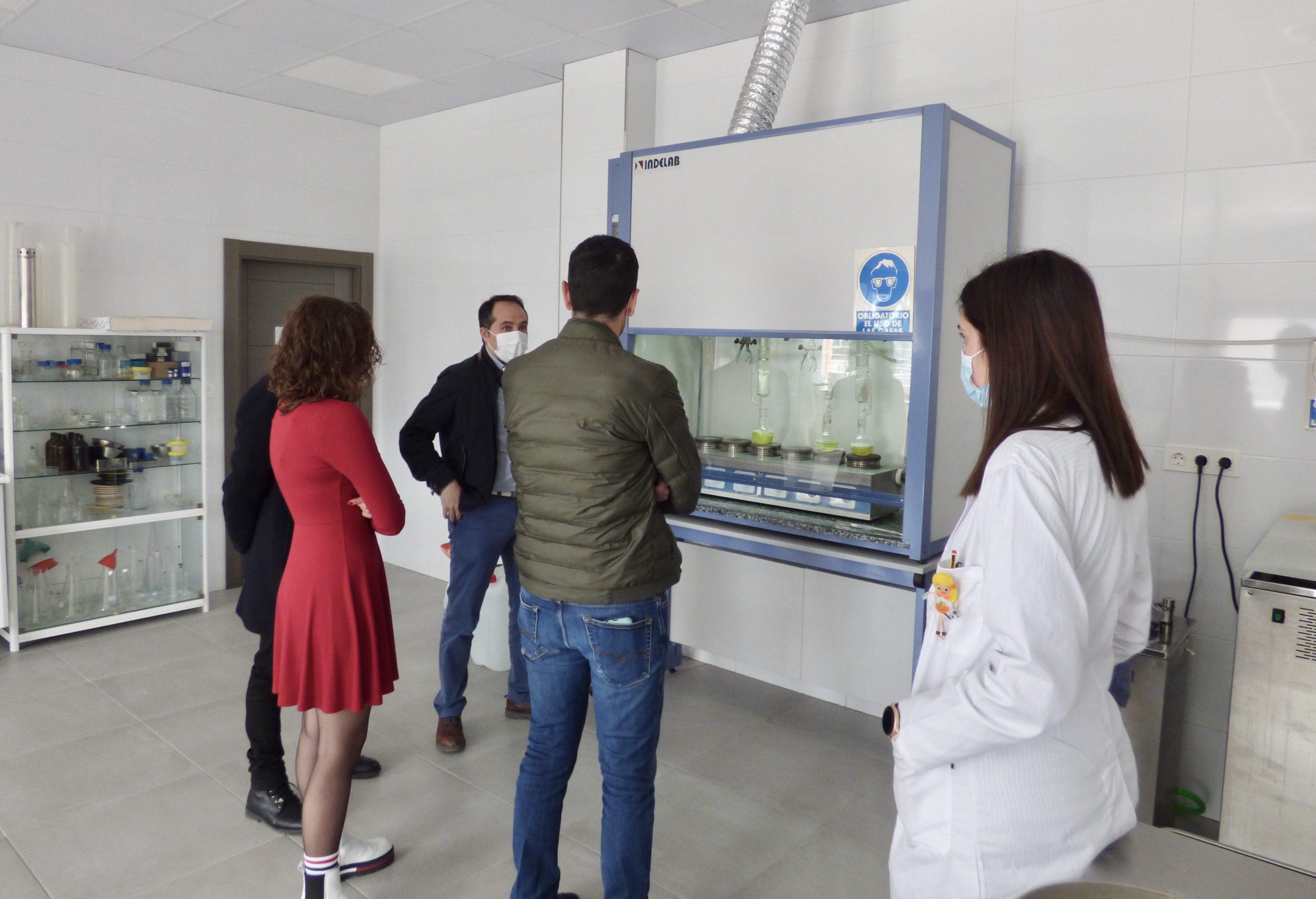 visita empresa Sanchez Marfil, laboratorio